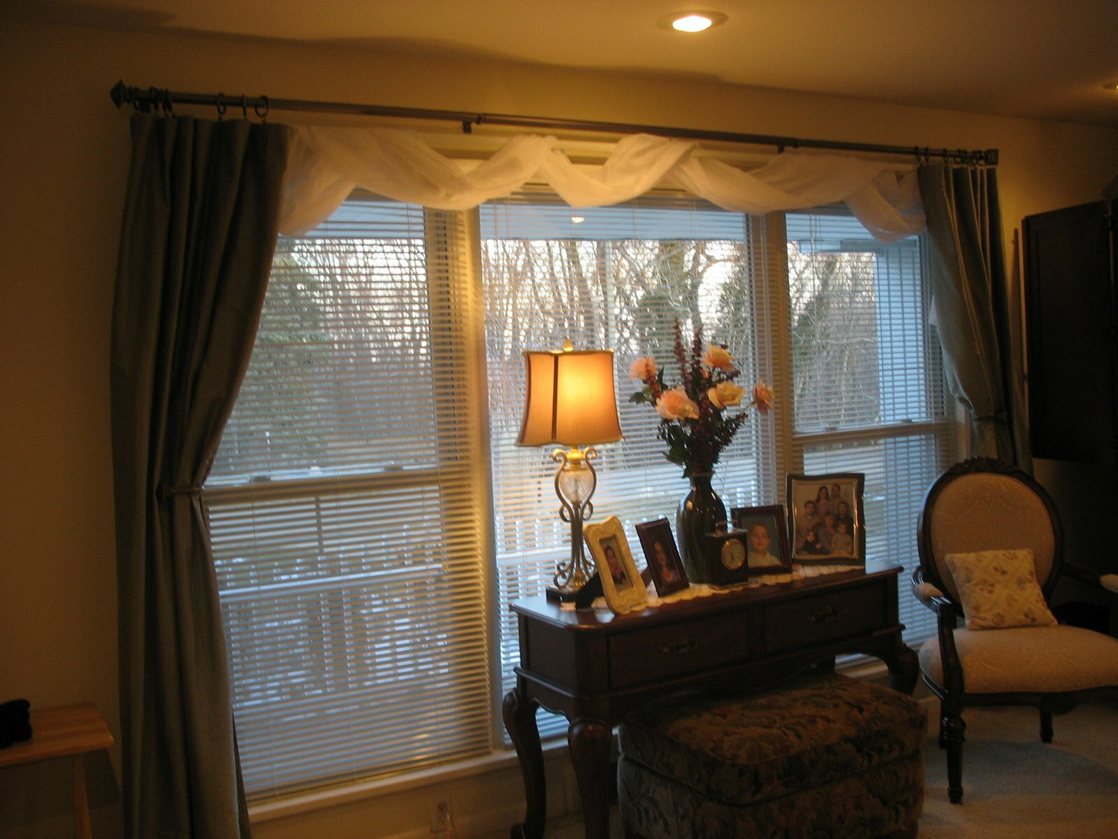 Curtain cute living room valances for your home decorating ideas for Living room window treatment ideas