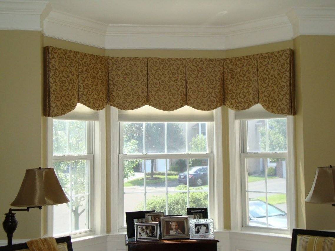 Window valance ideas for family room stylist curtain for Window valances for bedroom