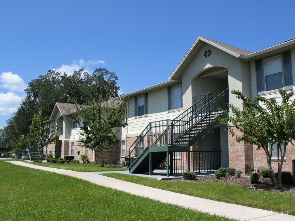Oakbrook Pointe Apartments | Apartments on Singleton Rd Norcross Ga | Apartment Hunting Websites