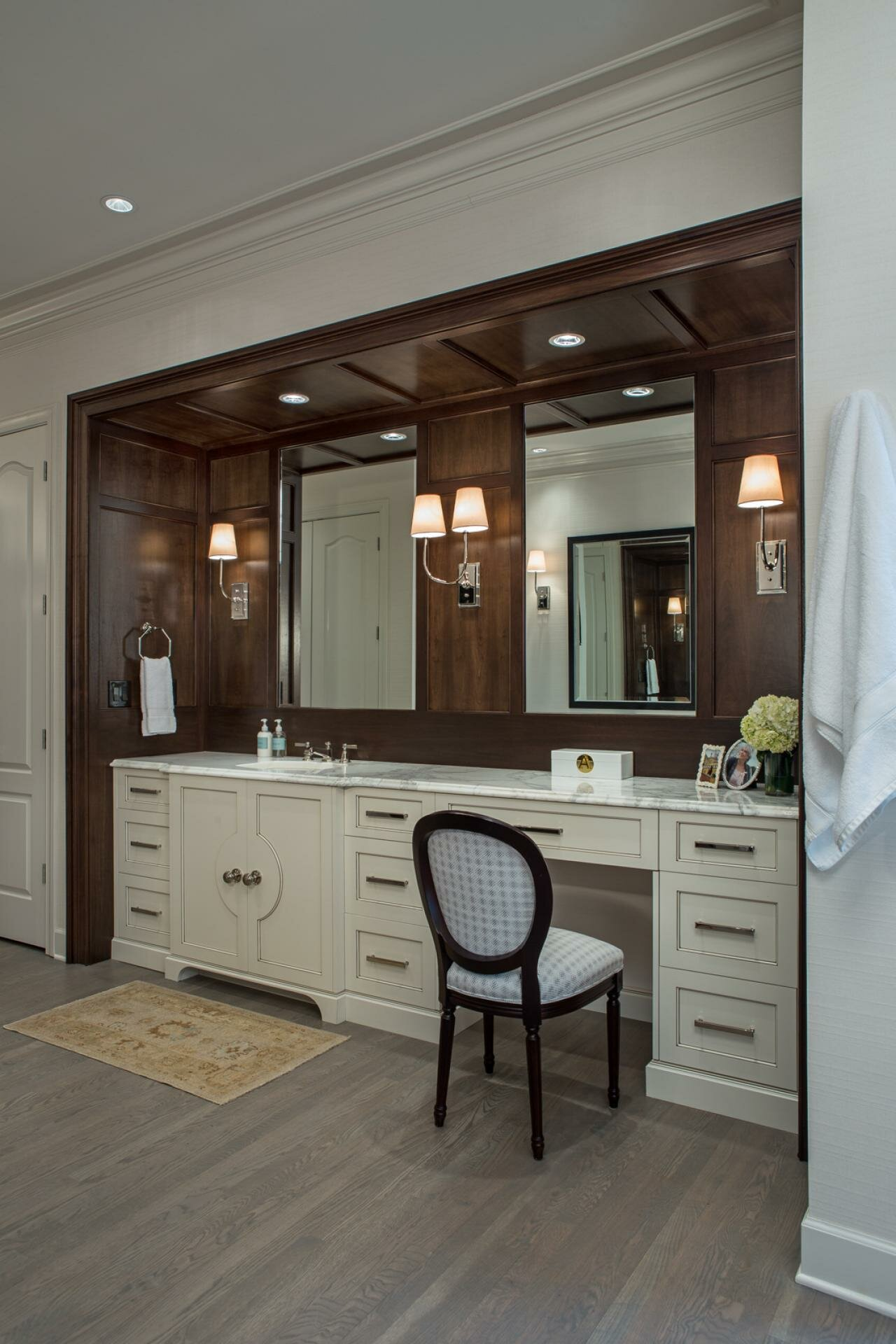 Potterybarn Bathroom | Small Bedroom Vanity | Pottery Barn Vanity